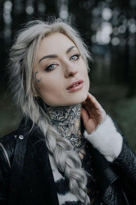 attractive tattoo on neck
