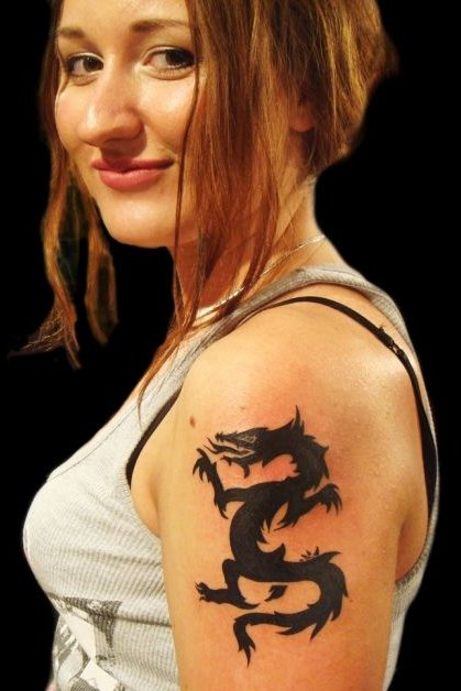 Dragon tattoo on shoulder