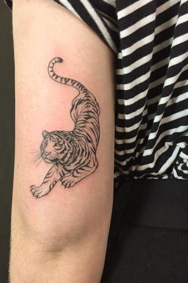 backside tiger tattoo
