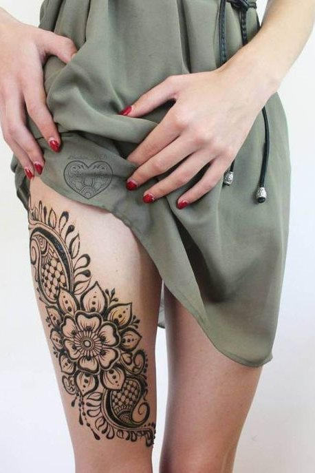 cute henna tattoo on thigh